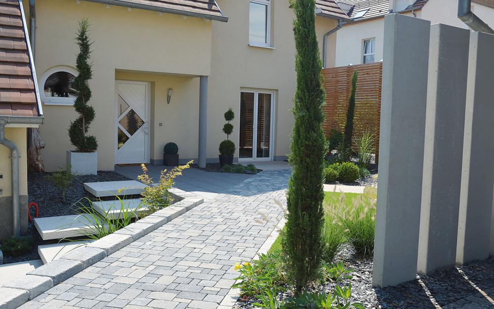 Espaces paysagers paysagiste lingolsheim for Entreprise entretien jardin 974